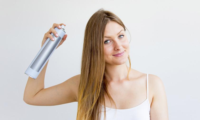Uporabljaš napačno barvo suhega šampona za svoj odtenek las.