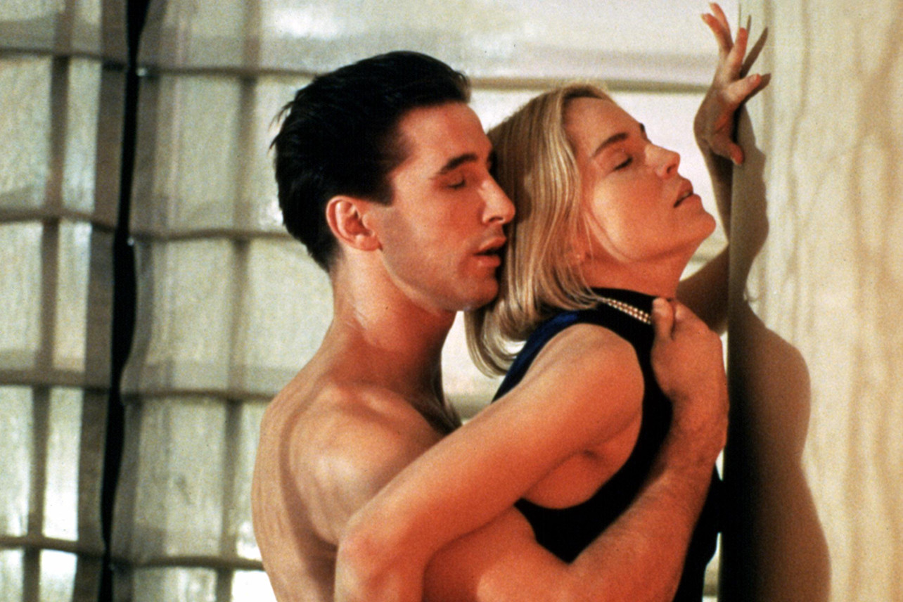 Vročica ‒ William Baldwin in Sharon Stone