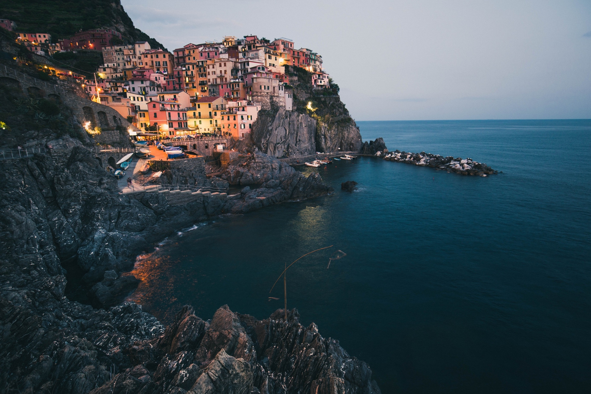 Gorske poti nad vasicami pokrajine Cinque Terre skrivajo veliko nevarnosti.