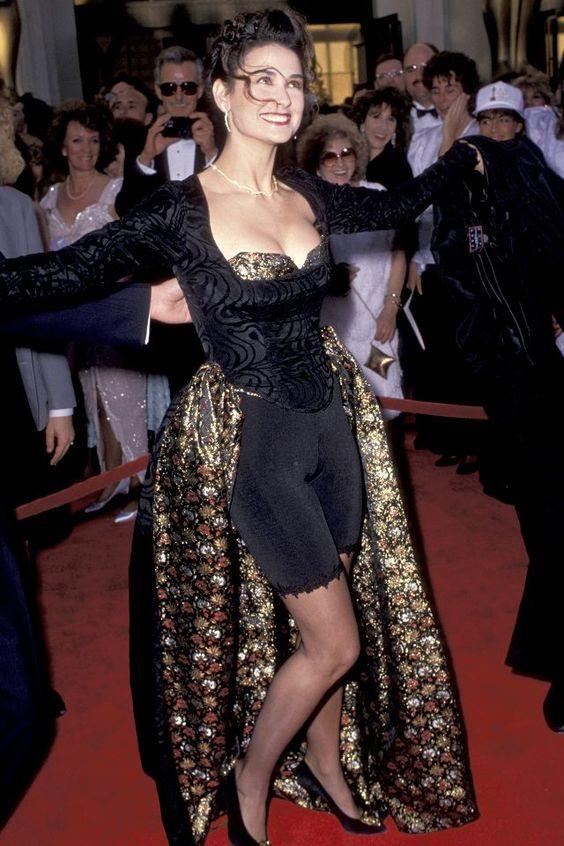 Demi Moore na oskarjih 1989 (Foto via Pinterest)