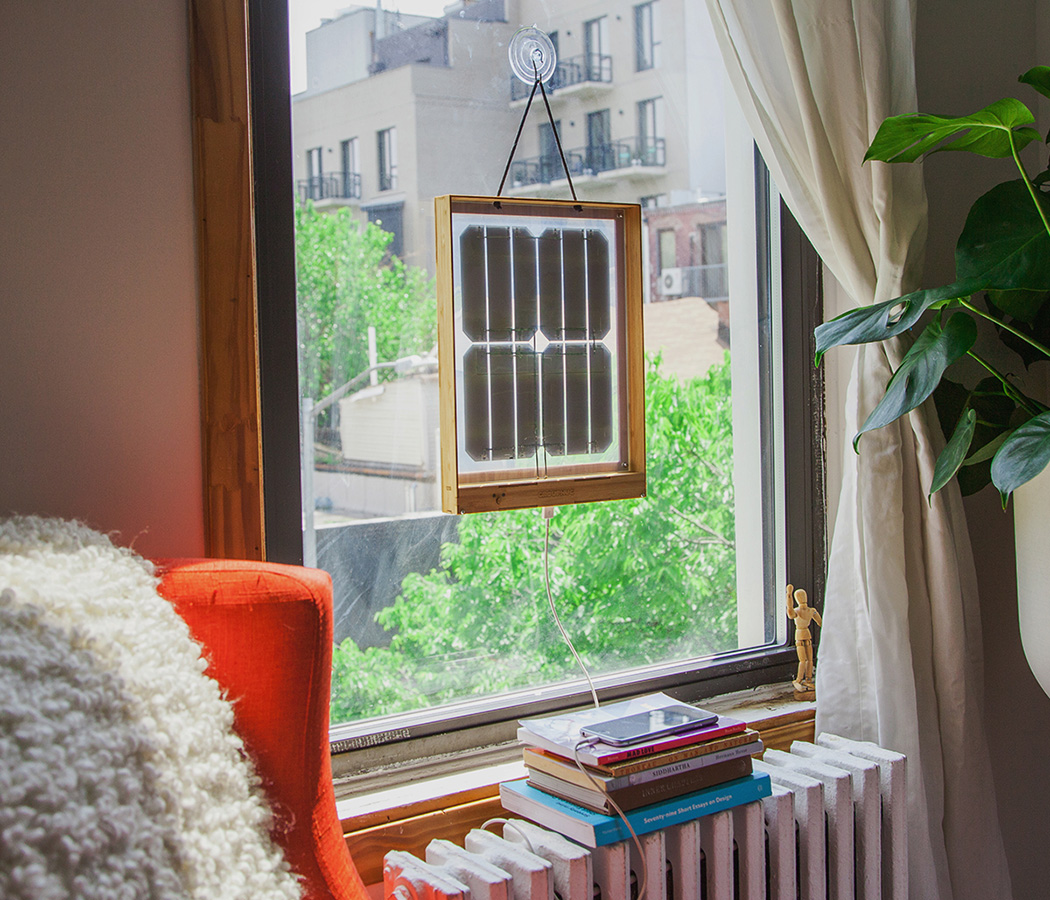 Window Solar Charger vam priskrbi sončno energijo.