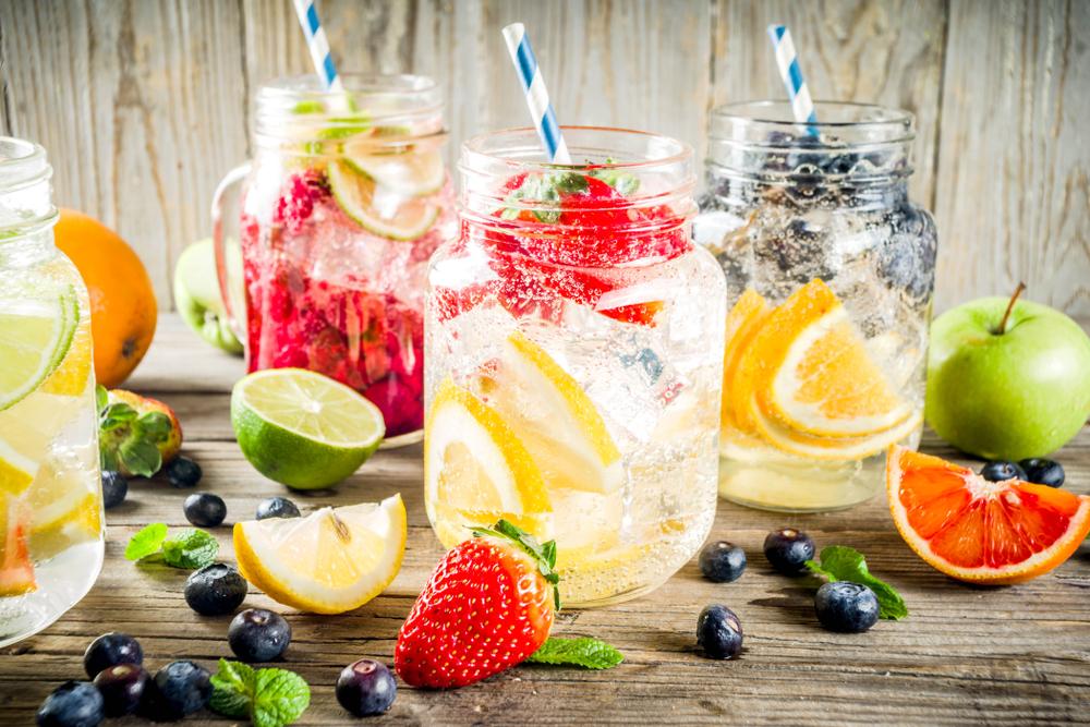 Limonade z različnimi okusi